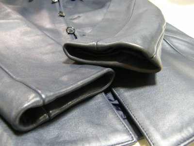 画像1: しっかりした素材感のお洒落な本革ジャケット|MAPLE CREEKS(メイプルクリークス)|牛革ジャケット|ブルー系|サイズ:フリー|USED|レディース