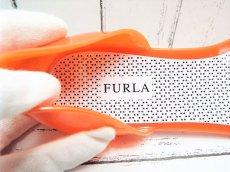 画像9: 夏に映える1足 FURLA(フルラ)  CANDY(キャンディー) オープントゥ PVCサンダル サイズ:39(24cm前後)オレンジ×ベージュ レディース (9)