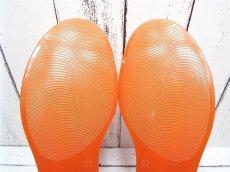 画像11: 夏に映える1足 FURLA(フルラ)  CANDY(キャンディー) オープントゥ PVCサンダル サイズ:39(24cm前後)オレンジ×ベージュ レディース (11)