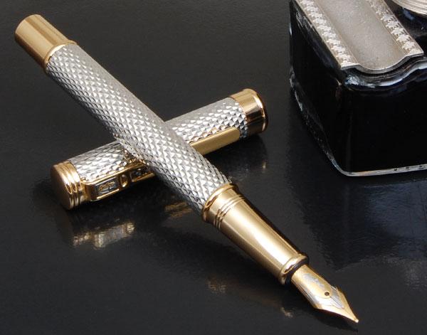 画像1: 【新品】機能とデザインの調和を追求するCROCODILEC万年筆シルバー (1)