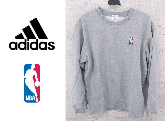 画像1: 希少な旧デザイン|アディダス(adidas) NBAワンポイントロゴ入りトレーナー(スエット)|サイズ:M(肩幅:50cm)|グレー|Clima365|USED|メンズ|トランスジェンダー (1)