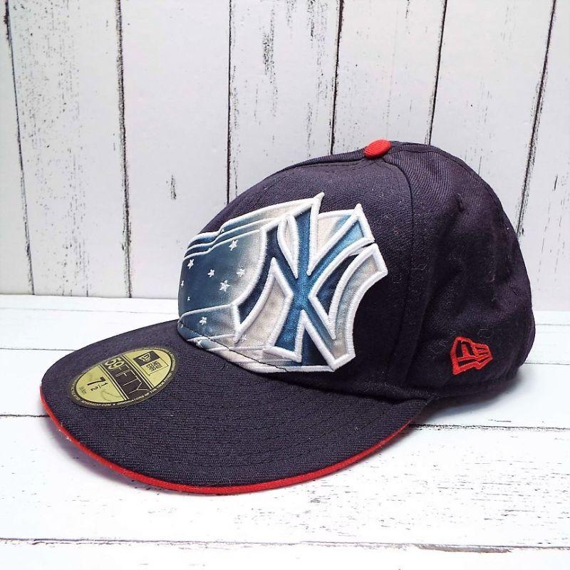 画像1: 素敵なデザインが◎ NEW ERA(ニューエラ)genuine merchandise 刺繍ロゴ入り キャップ(帽子)サイズ:7 12(59.6cm)USED (1)