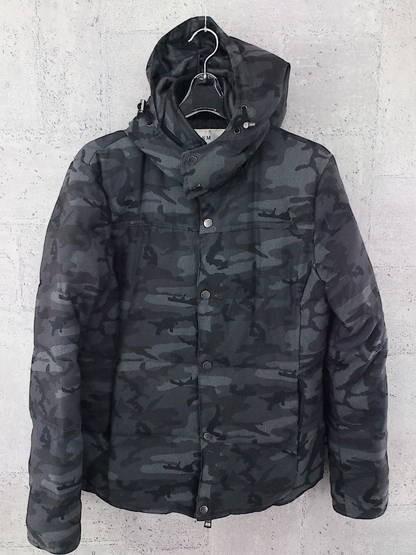 画像1: 大人気モデル! AKM × AMPHIBIAN(エイケイエム × アンフィビアン) 迷彩ダウンジャケット サイズ:M(肩幅:45cm) ブラックグレー系 USED メンズ (1)
